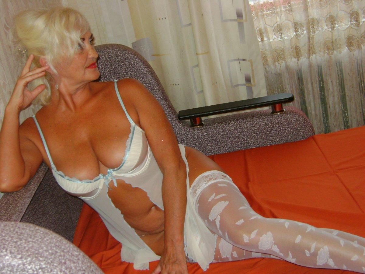 Старые проститутки санкт петербурга по помощь